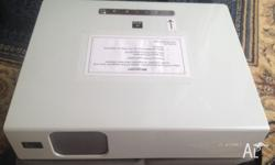 Sony digital multimedia projector model VPL-CX75 with