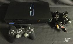 The Sony Playstation 2 (PS2) comes with 1 controller,