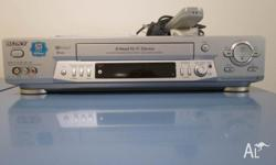 SONY VIDEO/CASSETTE RECORDER WITH MANUAL & REMOTE,IN