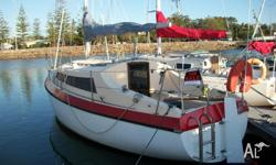 25 foot fibreglass yacht 4/6 berth , 8 horsepower