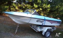 Fiberglass speed runabout boat, hull make �New Zealand,