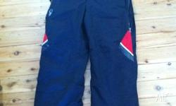Spyder insulated ski pants - size M. Will fit boy 14-16