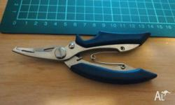 Fishing piler scissors, can cut fishing line and remove