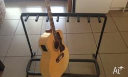 As new condition. Hols 7 guitars. Note; guitar in