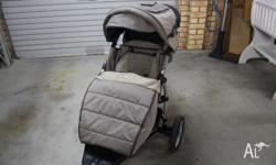 Convertable Pram/Stroller Includes Clear and Black Mesh