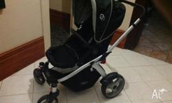 Great light-weight pram, manouvers easily, forward or