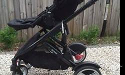 Steelcraft Strider Compact Onyx pram is only 3 years