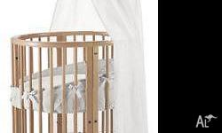 Stokke Mini Cot come larger Cot / Changing Table come