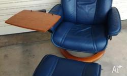 Stressless Senator Recliner Chair with Computer Table