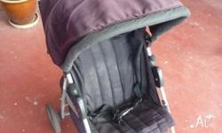 Collapsible stroller in good working condition as