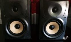 2 X BEHRINGER B1030A STUDIO MONITORS GREAT FOR HOME