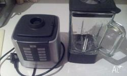 Sunbeam blender for sale. Excellent condition. Has a