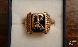 Fabulous ornate ring in outstanding condition 18 karat