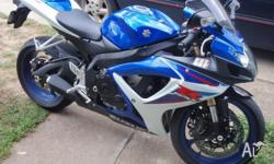 GSX-R 600 2007MODEL ONE OWNER. PEARL BLUE WITH WHITE.