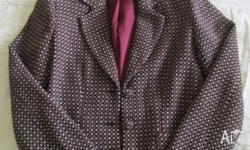 Fully lined patterned burgundy jacket. Very good