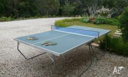 TABLE TENNIS WITH 4 RACQUETS & NET AS PER PHOTO OK