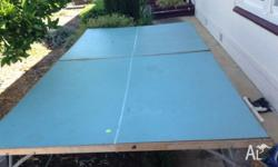 Table for sale with 24 table tennis balls, 4 racquets