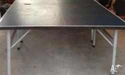 Table tennis table foldaway on castors, comes with net,
