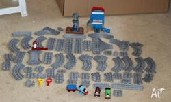 Take along Thomas train set with Thomas train and cargo