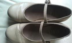 Tan/Bone girls Bloch tap shoes. Good condition. EMAILS