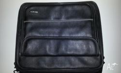"Targus 15"" leather laptop case, near new! Excellent"