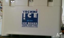69ltr fridge keeps ice 3-4 days ideal for Campimg -