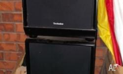 2 Technics Speakers, black, in nice condition. Not
