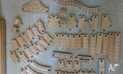 Thomas The Tank Wooden Train Set and Trains Excellent
