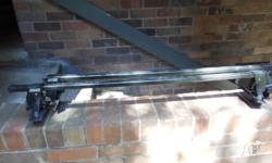 Thule Roof Rack up for sale Bar measures 1150MM