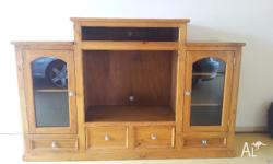 Timber entertainment unit excellent condition (like