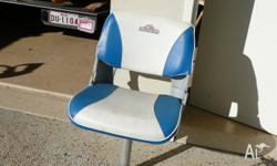 This seat is in very good condition. Pedestal can be
