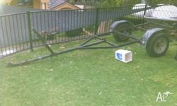 14 FOOT BOAT / TINNY TRAILER FIT BOAT UP TO 14 FOOT