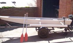13ft 9in Tinny with adjustable outriggers up to