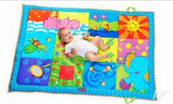 Large baby play mat. Excellent condition. Water proof