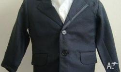 Boy's NEW 5 piece Tuxedo Suit, size 4, includes Black