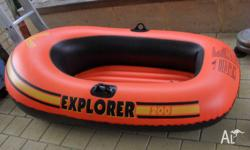 kids blow up dinghy no oars comes as is good condition