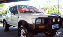 TOYOTA,HILUX,1995, 4WD, white, DUAL C/CHAS, 2779cc,