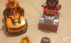 2x Transformer cars that smash together and the