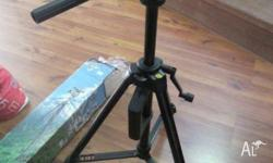 As new. Vanguard vt931 tripod (still in box). Excellent
