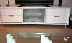 TV Cabinet used but still it's like new, in very good