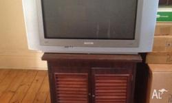 Old style TV in excellent condition, comes with remote