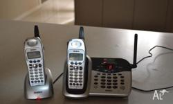 Uniden phone set with 2 handsets pickup only-Thomastown