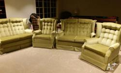 Van Treight lounge suite in great condition. 2 arm
