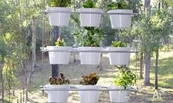 Balcony garden screens ? These hanging gardens are