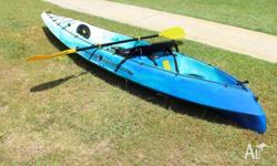 VIKING ESPRI KAYAK AS NEW PAID $ 795.00 INCLUDE DELUX