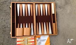 Beautiful vintage backgammon set, in excellent