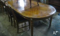 This is a lovely vintage French Style parquetry oval