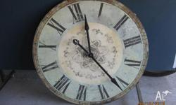 Rustic wall clock in good conditions, unbeatable
