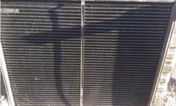 VN - VS V8 3 Core AUTO Radiator good cond was keeping