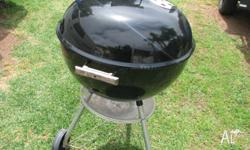 WEBER BBQ LARGE Comes with temperature gauge Get ready